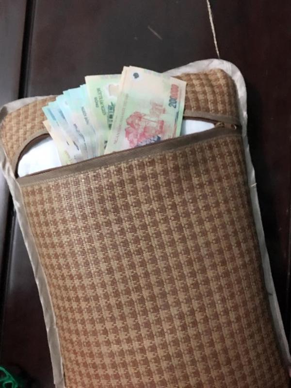giấu tiền